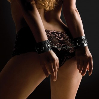 OUCH! LEATHER HANDCUFFS BLACK
